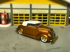 1/64 1937 Ford Lo-Rider Conv./Copper Metalflake/White Int/Flathead V8/Gold Trim