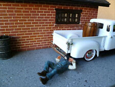 REPAIR MAN HENRY FIGURE FOR 1:24 DIECAST MODEL CARS BY AMERICAN DIORAMA 77743
