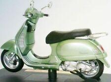 Motocicletas y quads de automodelismo y aeromodelismo color principal verde de escala 1:18