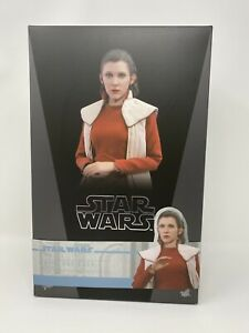 Hot Toys MMS508 1/6 Star Wars V Princess Leia Bespin Ver. Carrie Fisher **USED**