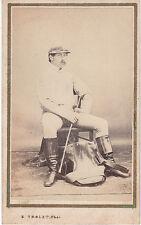 Photo cdv : B.Trolet ; Jockey assis en pose , selle à ses pieds , vers 1865