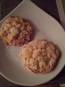 Leckere selbstgebackene Plätzchen mit Marzipan und Steusel  10-12 Stück ca.1kg