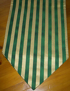 Green & Gold Stripe Christmas Table Runner 110cm x 27cm Gift Decoration Pointed
