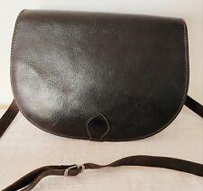 T. Joli sac besace vintage en cuir noir bandoulière en TBE/BE