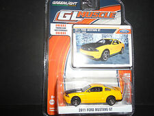 Luz Verde FORD MUSTANG GT 2011 AMARILLO 13100 1/64
