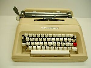 Vintage Olivetti Manual Typewriter, Lettera 35 with Plastic Case, Works