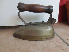 ANTIQUE BIRTMAN ELECTRIC CO.  IRON BEE-VAC MODEL A NO CORD