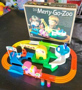 Vintage TOMY Playrail Train MERRY GO ZOO Complete and Working Game 1978