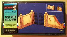Plusmodel Mauer mit Eisentor  1:35