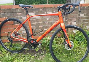 Specialized Gravel bike.Large.2x11s. Carbon forks. 2 wheelset