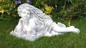 Frau liegend (S201179) Steinfiguren Gartenfiguren Statuen Deko Stinguss 26 cm