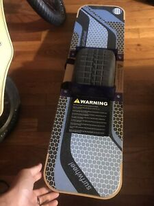 surfwheel R1 Brand New, It Uses The Onewheel Pint Battery, It's A Good Quality