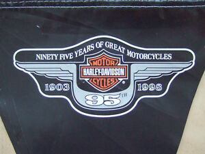 Kunststoff-Wimpelkette Harley® schwarz/orange/weis, 95 Jahre H-D Motiv, 23Wimpel