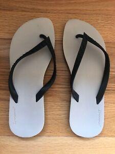 IPANEMA Grendene Sandals. Beige Flip Flops. Mens Size 12