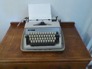 Adler Gabrielle 25 Vintage Portable Typewriter
