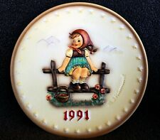"""Hummel Annual Plate 1991 """"Just Resting� Hum 287 ~ New in Box ~ Stand included"""