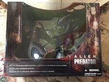 MCFARLANE AVP ALIEN VS PREDATOR BOX SET DIORAMA FACEHUGGER EGG FIGURE NEW SEALED