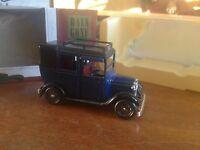 Lledo Days Gone Premier Collection 1933 Austin Taxi 47000