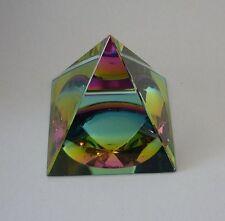 HeilEnergie Tachyon Kristall Glas Pyramide - Regenbogen 50 mm