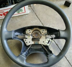 HONDA ODYSSEY 1999 STEERING WHEEL GREY COLOUR  FITS 1994 TO 1999 GOOD CONDITION