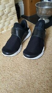 Nike Sock Dart Size 9 black / white