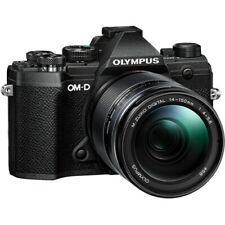 Cámara digital Olympus OM-D E-M5 Mark II sin espejo con lente de 14-150mm (Negro)