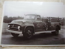 1955  FORD F600 FIRETRUCK WOODSTOCK VILLAGE NY  11 X 17  PHOTO /  PICTURE