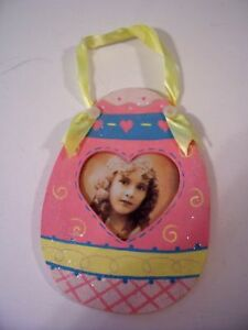 WOOD PINK YELLOW EASTER EGG PICTURE FRAME DECORATION