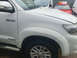 TOYOTA HILUX 2012-2015 MK7 DRIVER FRONT WING FENDER WHITE 040 WN REF 218