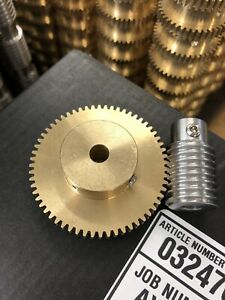 """MATCHING BRONZE WORM GEAR SET 60:1 RATIO 32 PITCH 1/4"""" BORE FROM BOSTON MA. LOOK"""