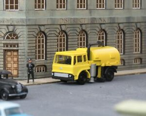N Gauge 1:148 BCC A3D115 Bedford TK Road Sweeper (Yellow)