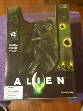 2004 McFarlane Toys Alien W/ Lunging Inner Jaw Play Action