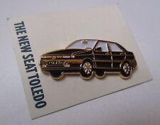Pin's voiture / Seat Toledo noire
