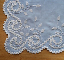 Old Vintage Fine BLUE LINEN Tea Table Cloth HAND EMBROIDERY + 6 Napkins MADEIRA