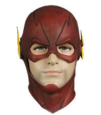The Cosplay costume of the flash Barry Allen mask wore a helmet mask on Hallowee