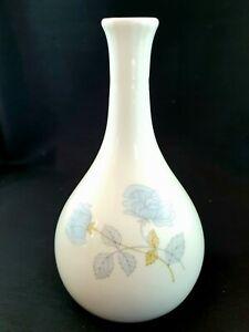 Vintage Wedgwood Ice Rose Bud Vase in Original Box