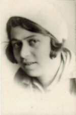 1930's Soviet photo of BEAUTIFUL YOUNG WOMAN IN WHITE HAT