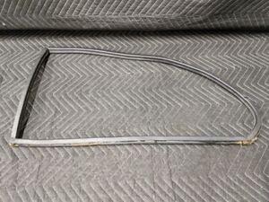 BMW E21 3-Series Rear Window Seal Right Passenger 51361881488