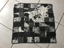 Foulard carré LONGCHAMP soie noir,gris,blanc bon état