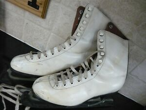 Ladies size 5 1/2 vintage Ice Skates.