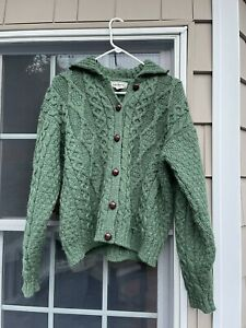 Vintage Women's L.L. Bean 100% cable Wool Knit Cardigan made in ireland size L