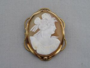 ANTIQUE VICTORIAN CAMEO SHELL BROOCH YELLOW METAL MOUNT