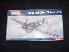 Un monogramme de l'ONU construit Kit Plastique d'un Messerschmitt Me 109, pièces en Scellé Sacs
