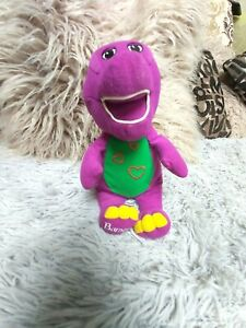 BARNEY THE DINOSAUR .LIGHTS UP.SAYS I LOVE YOU.THEN SINGS