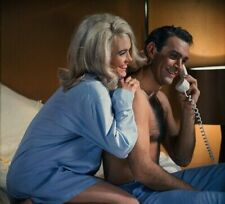 """SALE!!! - Shirley Eaton & Sean Connery UNSIGNED 10""""x8"""" photo - James Bond - A90"""