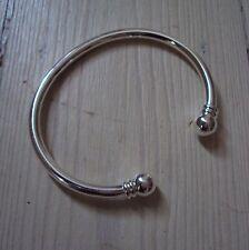 Bracelet modèle 'jonc', en plaqué argent sterling 925 rhodié, neuf