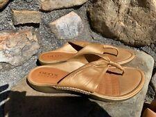 GEOX Flip Flops Sandals Size 39 Gold Leather Boho Retro ECU