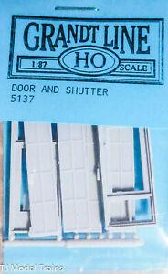 """Grandt Line HO #5137 Door w/Shutter, 50"""" (Plastic) 1:87th Scale"""