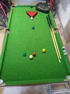 Pot Black Kids Foldable Snooker Table