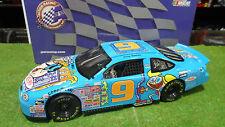 FORD TAURUS NASCAR CARTOON NETWORK 1/18 ACTION 220724 voiture miniature collecti